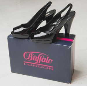 Buffalo Peep Toes Lackleder