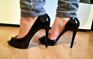 Buffalo Peeptoes/ Stilettos/ Pumps/ High Heels in schwarzen Lack Gr. 39