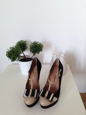 Buffalo Plateau Pumps