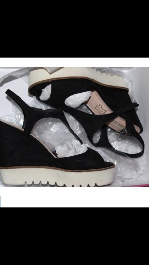 Buffalo Wedge Sandals black-white suede