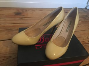 Buffalo Pumps beige