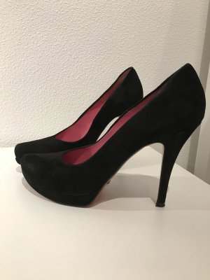 Buffalo Pumps mit roter Sohle
