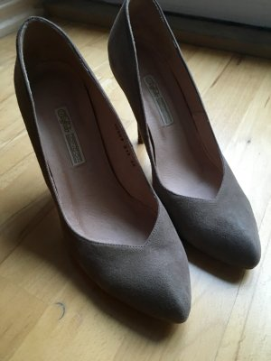 Buffalo Pumps Taupe Wildleder