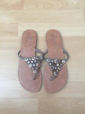 Buffalo girl Flip-Flop Sandals bronze-colored