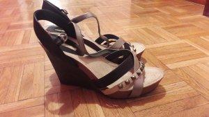 BUFFALO Sandalen mit Keilabsatz