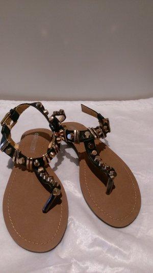 Buffalo Sandalen schwarz mit Nieten