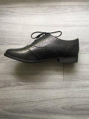 Buffalo schwarz Budapester Leder Schuhe 39 NEU