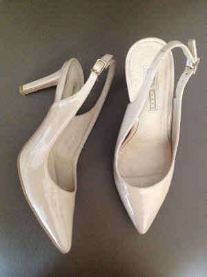 Buffalo Slingback pumps room
