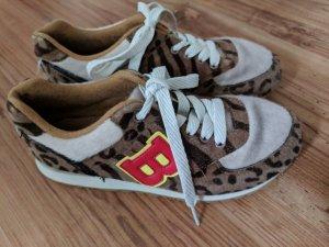 Buffalo Sneaker!