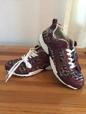 BUFFAlO Sneaker ganz neu bordo Stoff gemustert mit Lack Eur Gr.40