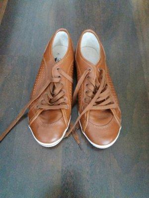 Buffalo Sneakers in cognac