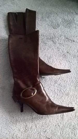 Botas con tacón marrón oscuro