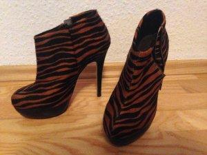 Buffalo Stiefeletten Ankle Boots Gr. 40 animal print Zebra