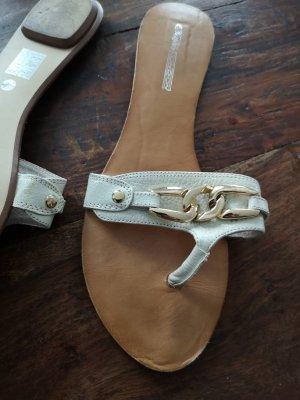 Buffalo London Toe-Post sandals white-gold orange
