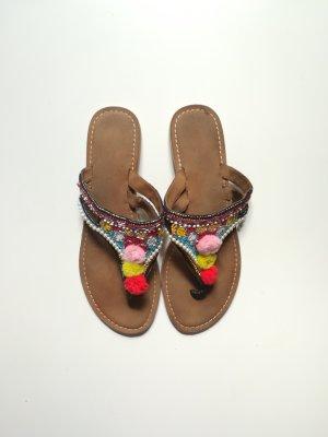 Buffalo Zehentrenner-Sandalen mit Perlen, Boho, Hippie, Ethno
