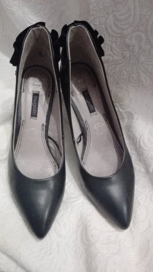 Bugatti Pointed Toe Pumps black