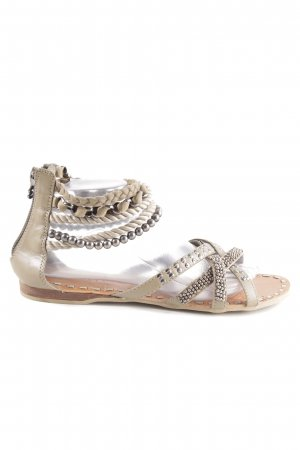 Bullboxer Roman Sandals cream casual look