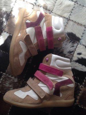 Bullboxer Sneaker Heels