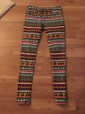 Bunt-gemusterte Jeans