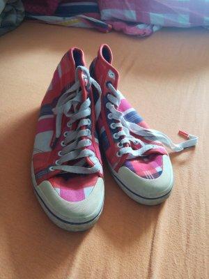 Bunte Adidas Sneakers
