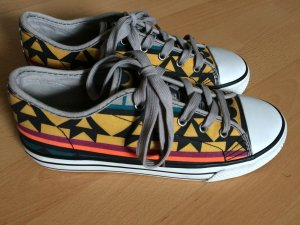 Bunte Chucks / sneaker mit Aztekenmuster