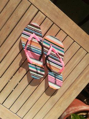 bunte Flip Flops von Brunotti