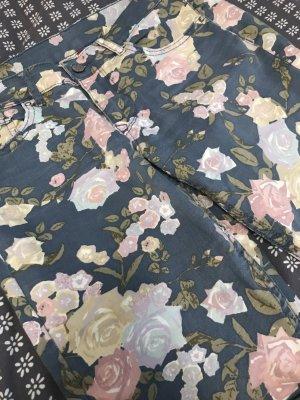 Bunte Hose / Jeans mit Blumen
