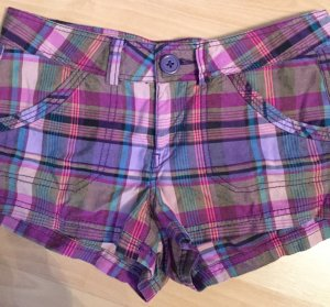 Bunte Hot Pants von H & M, Gr. 36 lila/rosa