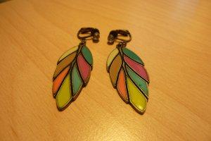 Bunte Ohrringe für den Sommer