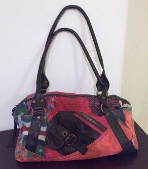 Bunte, praktische Handtasche