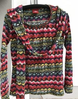 Bunte Shirt mit matching Schal