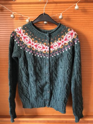 Bunte Strickjacke