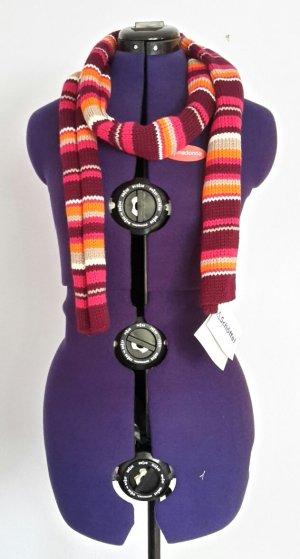 Bunter, gestrickter Schal
