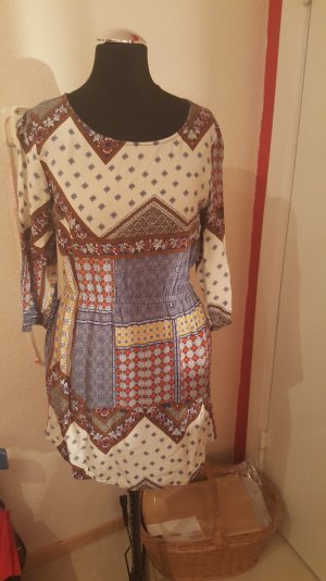 Buntes Boho T-Shirt-Kleid mit 3/4-Ärmeln von H&M
