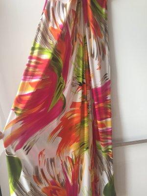 Buntes farbenfrohes langes Sommerkleid