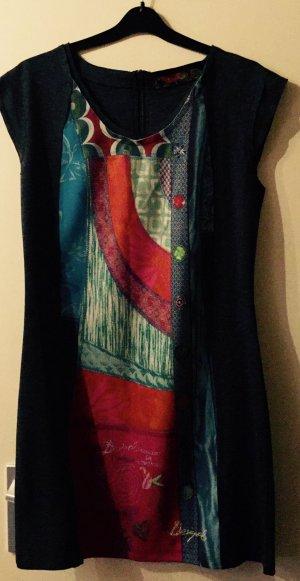 Buntes,figurbetontes Kleid von Desigual