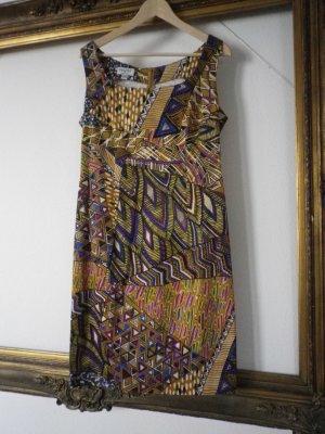 Buntes figurbetontes Sommerkleid ohne Ärmel
