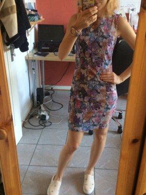 Buntes gemustertes Kleid von HM wie neu