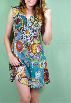 Buntes Hippie Sommerkleid aus leicht transparenten Stoff