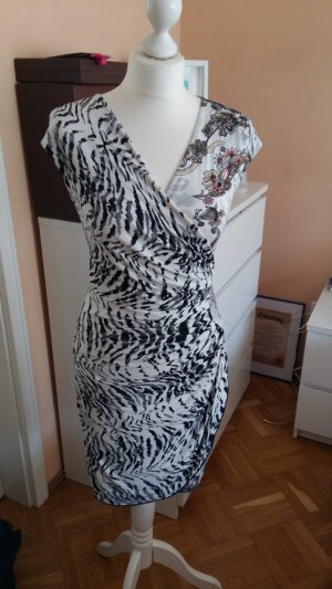 buntes Kleid in Wickeloptik