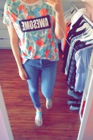 Buntes, langes Tshirt