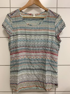 Buntes, luftiges T-Shirt