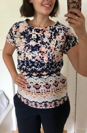Buntes Shirt mit Muster