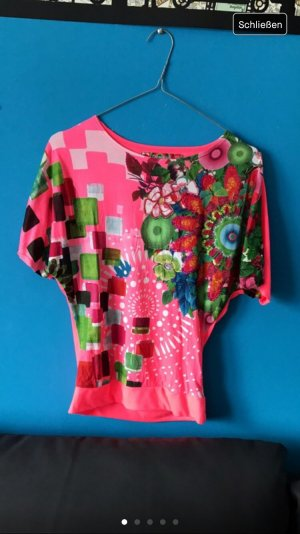 Buntes und Pinkes Desigual Shirt