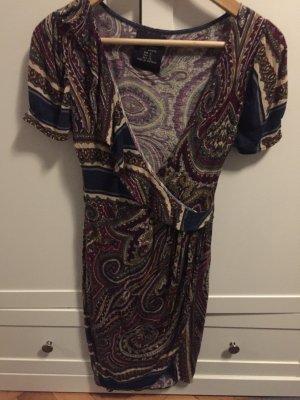Buntes ZARA Kleid mit Rüsche