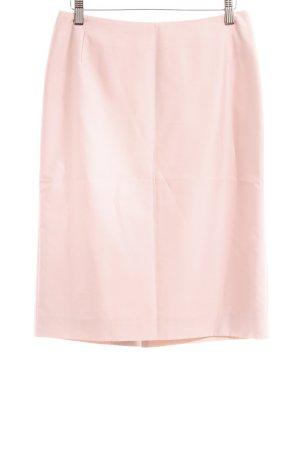 Burberry Falda de tubo rosa claro look casual