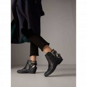 Burberry Boots Black