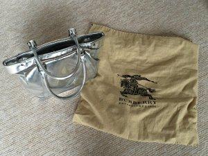Burberry Handtasche in silber