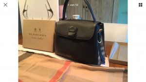 Burberry Handtasche mit Rechnung