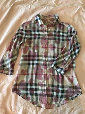 Burberry Hemd Bluse mit Karomuster und Herzen beige